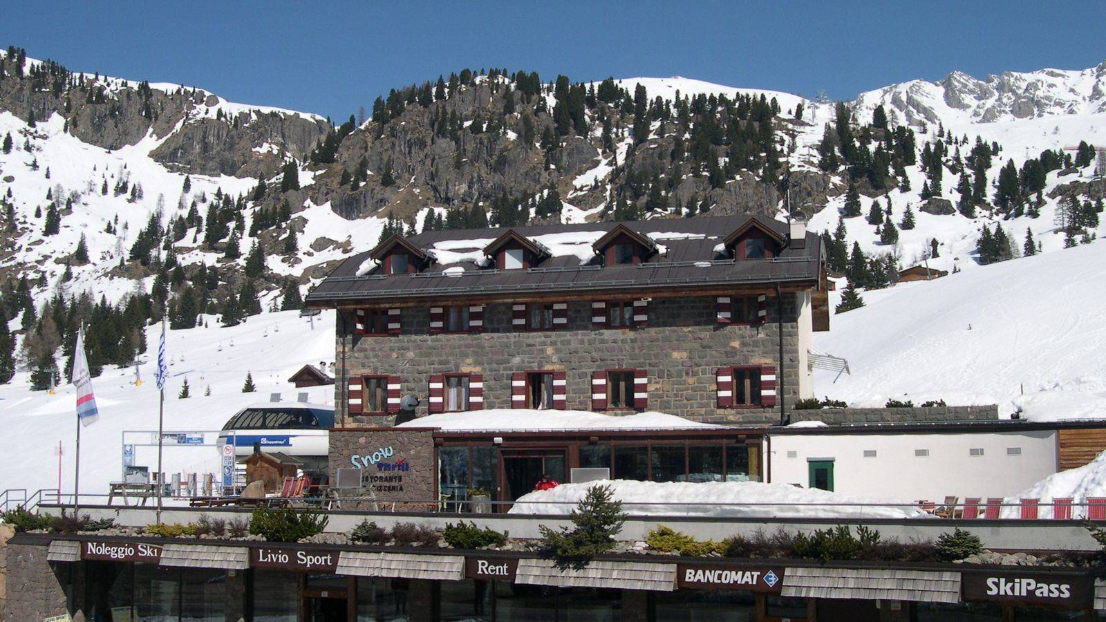 View of the facade of the Hotel Snowthrill in Passo San Pellegrino